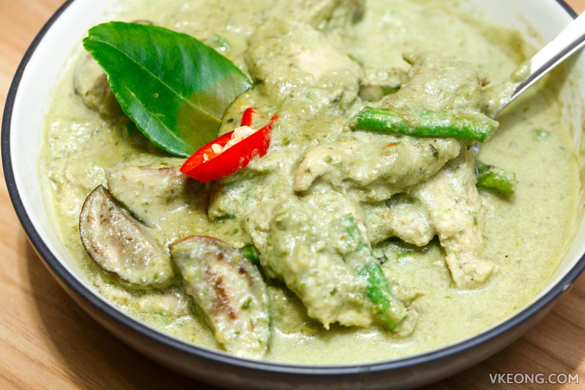 Baan Rao Green Curry Chicken