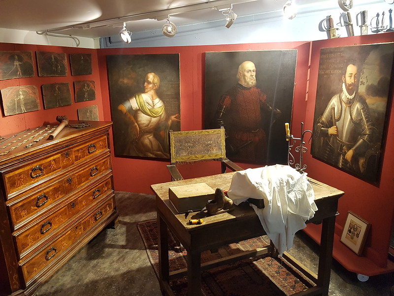 The fencing master's study