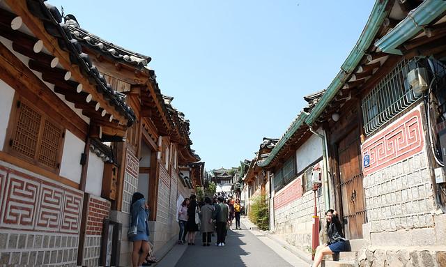 7 Patty Villegas - The Lifestyle Wanderer - Seoul - Korea - Wendys - Kimchi Chicken Fillet - Bukchon Hanok Village -1