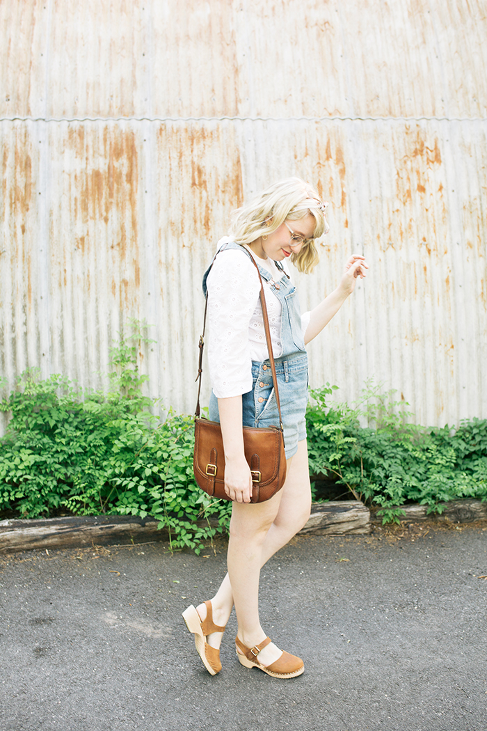 austin style blogger writes like a girl overalls clogs6
