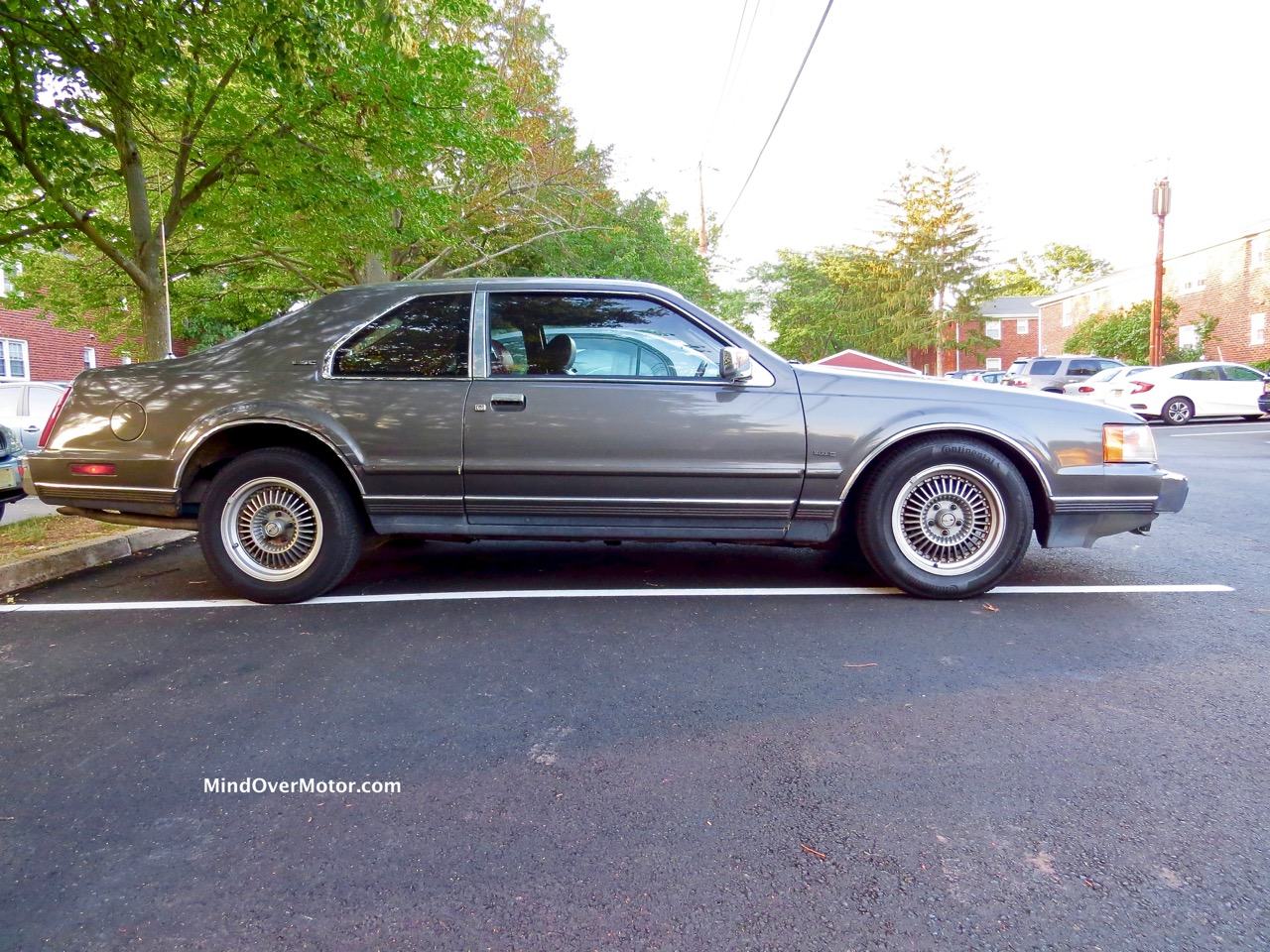 Lincoln Mark VII Profile