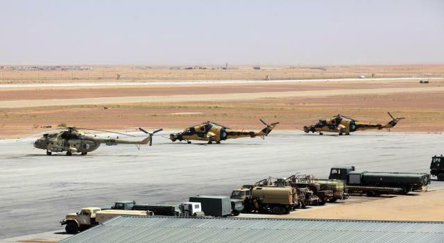 صور مروحيات Mi-24MKIII SuperHind الجزائرية - صفحة 8 35201168171_655e9f4552_o