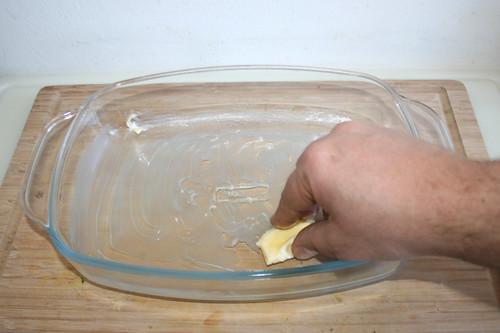 44 - Auflaufform ausfetten / Grease casserole