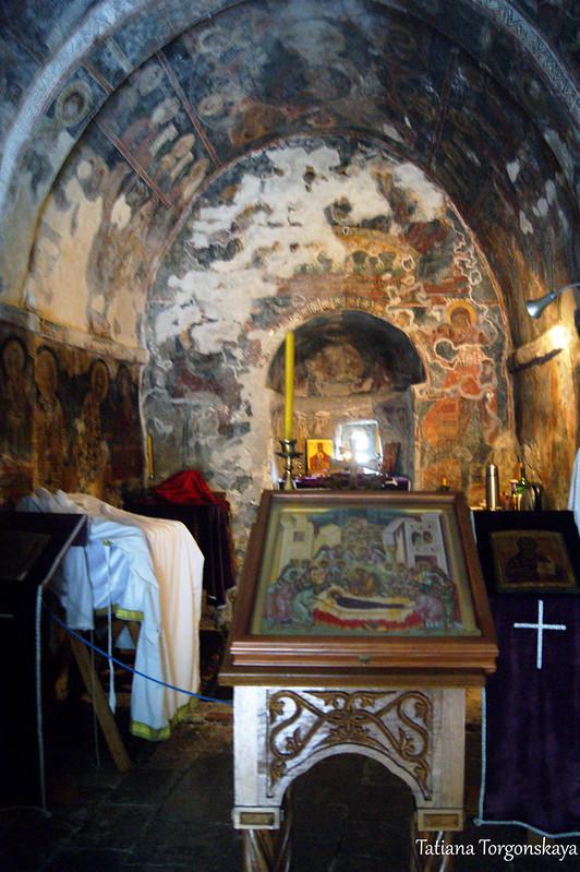 Внутри Успенской церкви