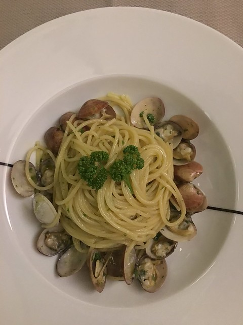 Paper Moon - clams vongole
