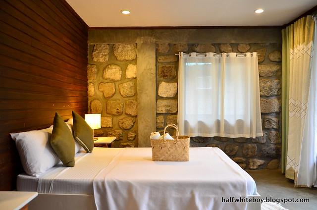 halfwhiteboy - ted's bed and breakfast, sta cruz, laguna 07