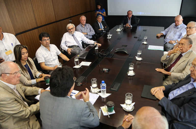 Reunión con la Junta de Beneficencia de Guayaquil y Recorrido por U.E. Fiscomisional Domingo de Santistevan