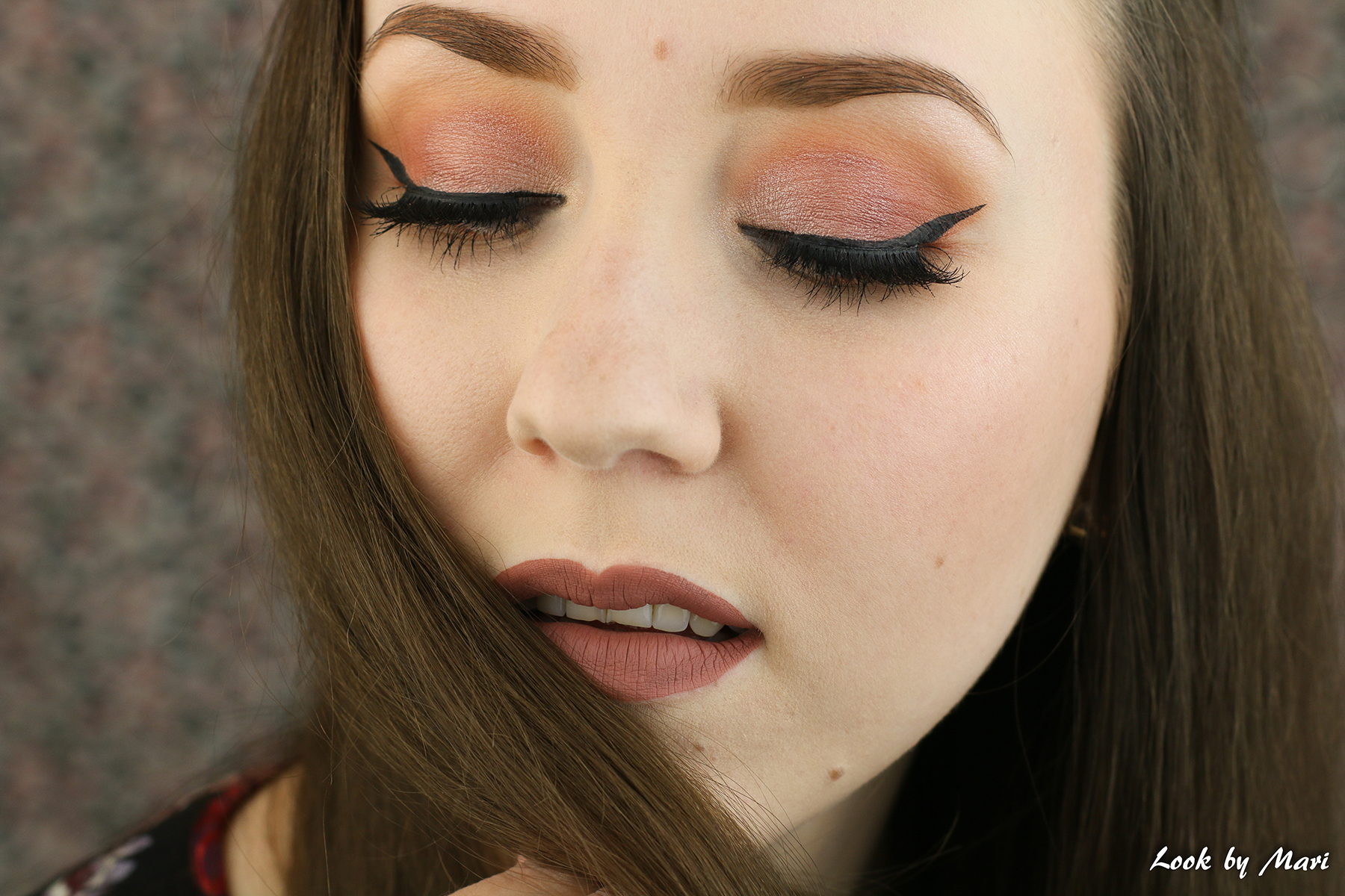 3 valmistujais meikki lakkiais meikki juhlameikki lämpimän sävyinen tutoriaali ideat inspiraatio blogi