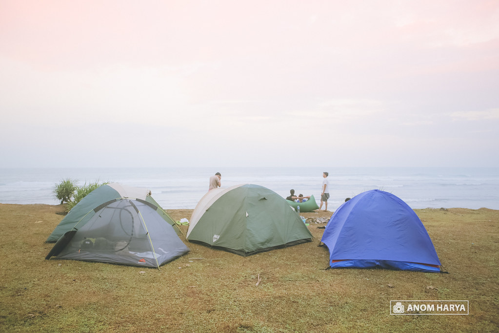 Camping di Pantai Nyangnyang Bali