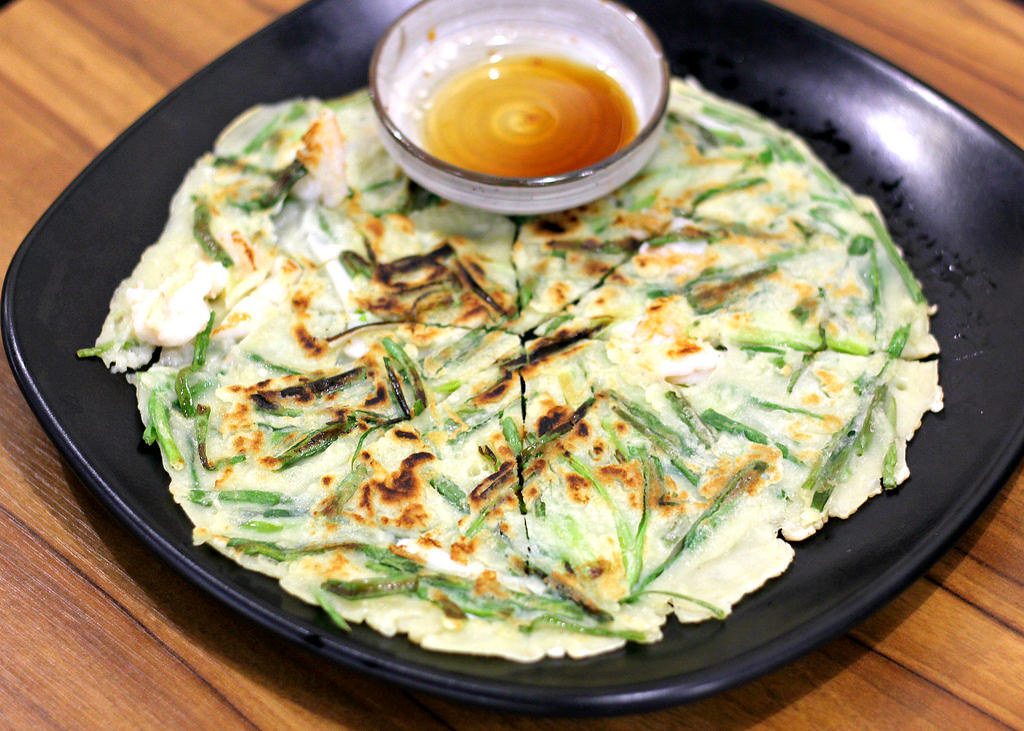 muk-bang-korean-restaurant-seafood-pancake