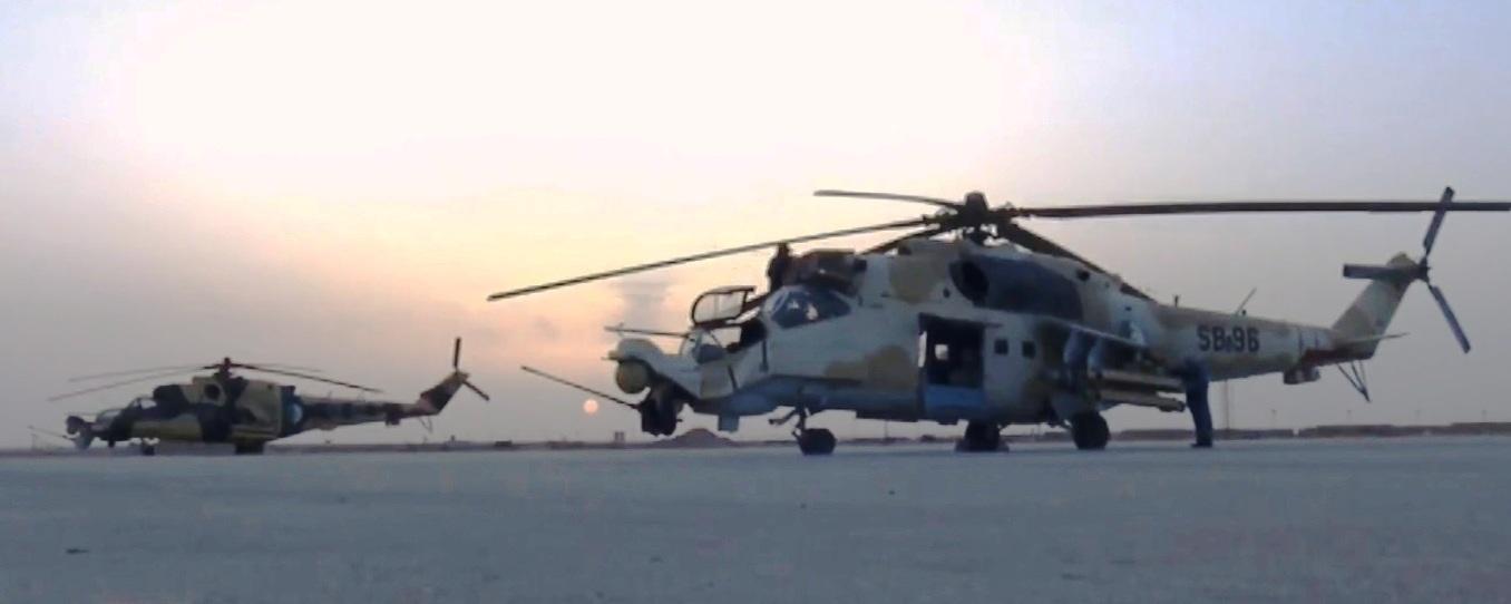 صور مروحيات Mi-24MKIII SuperHind الجزائرية - صفحة 8 34076483883_c0c45b6425_o