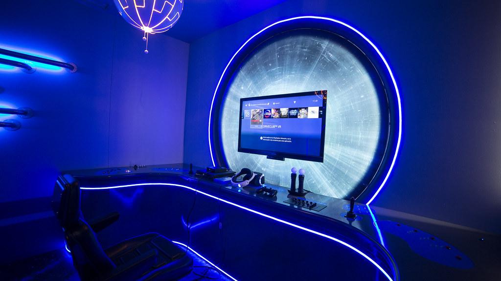 Inaugurada la sala de realidad virtual de PlayStation para humanizar la asistencia de jóvenes en el Hospital 12 de Octubre