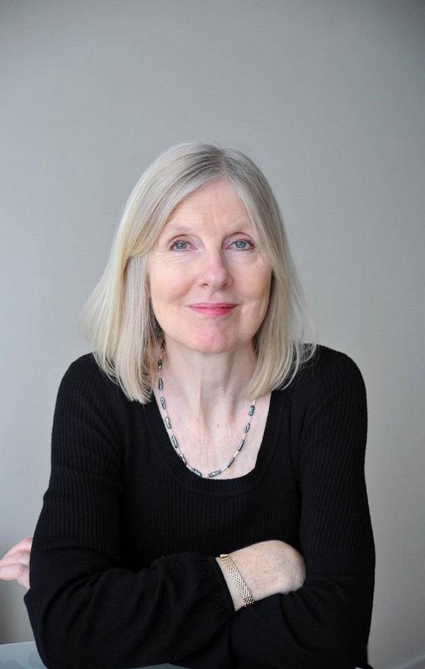 Helen Dunmore, tác giả của Ingo vừa qua đời