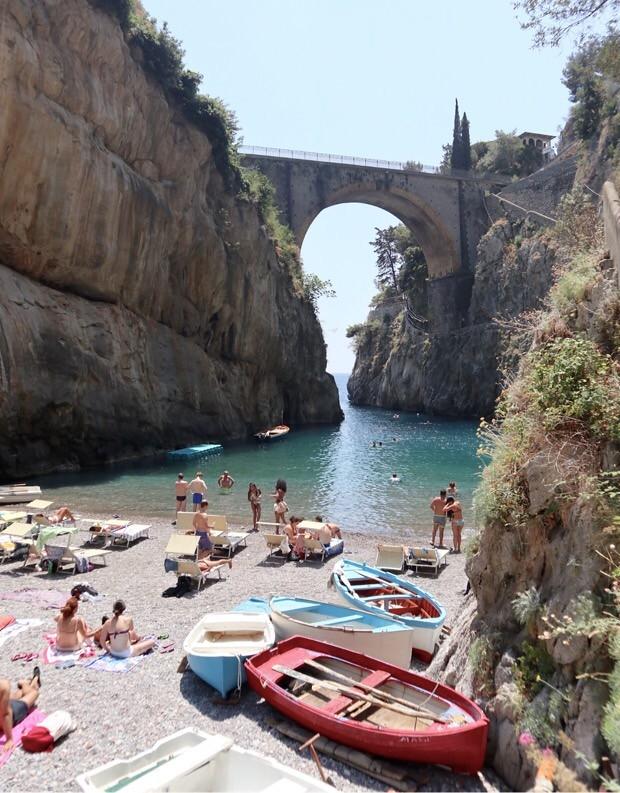 Ranta Amalfin rannikolla