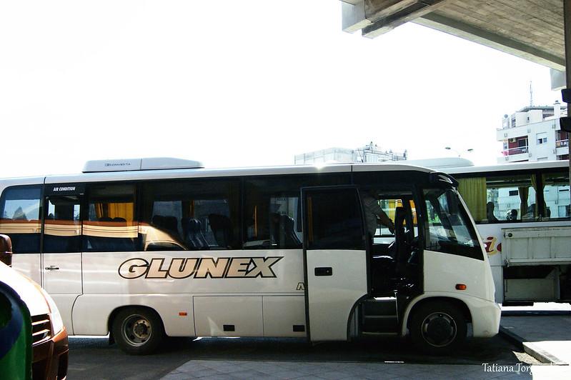 Автобус у перрона на автостанции Подгорицы