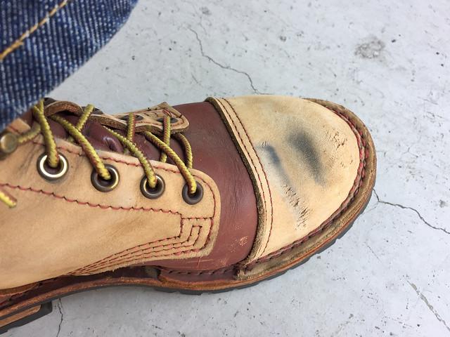 ブーツの傷