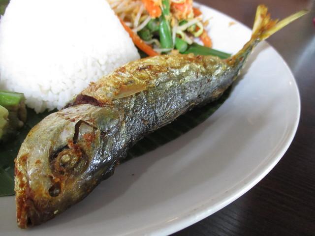 Cafe Ind ikan kembong sumbat