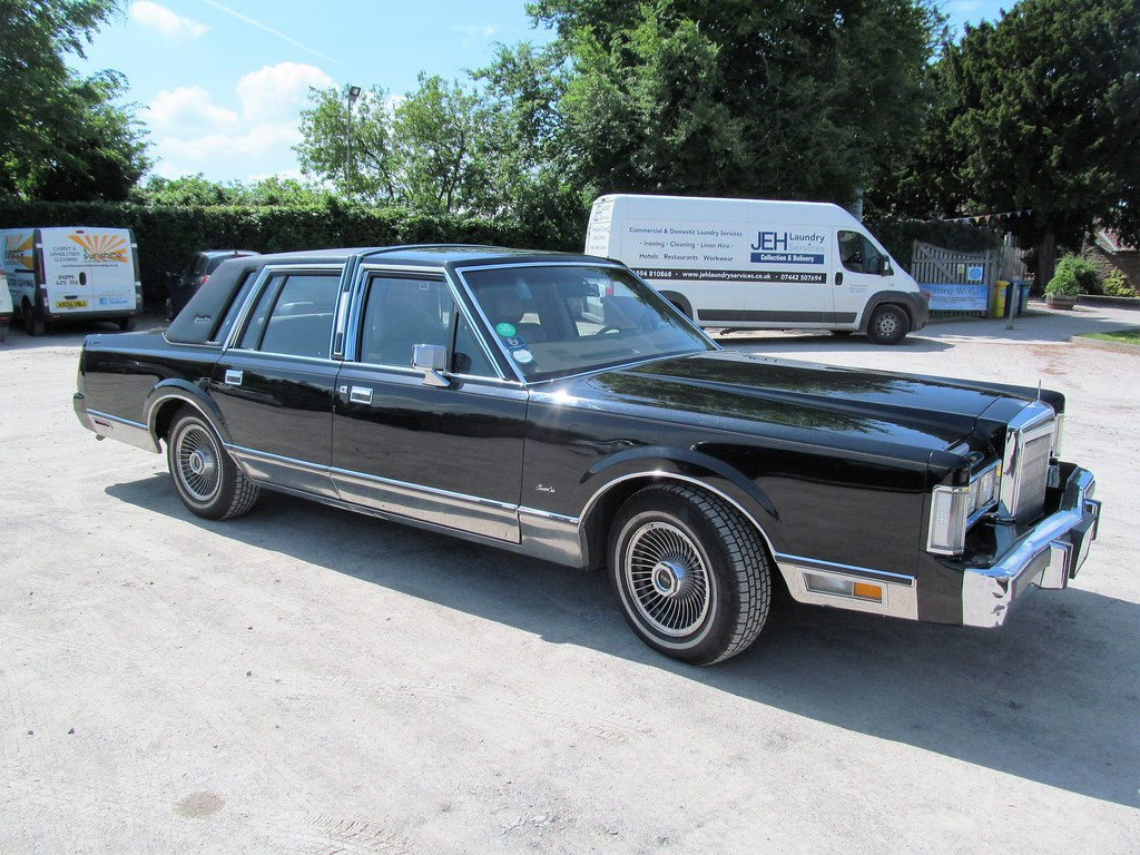 1987 Lincoln Town Car Spotted This Fabulous Old American C Flickr