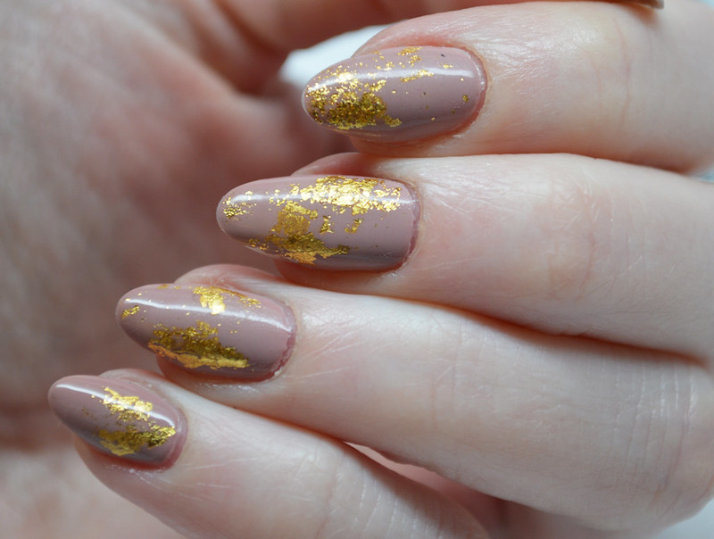 gold flakes | The Mani-ac