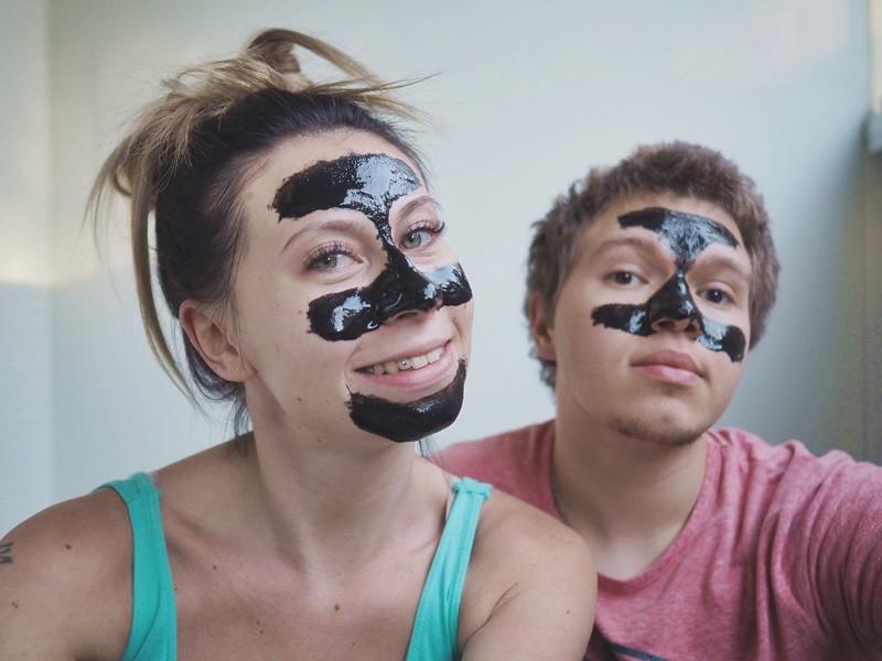 theincrediplefacemask-maybeauty-kasvonaamio-käytössä