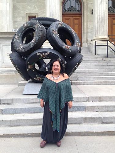 Participación de la artista mexicana Betsabeé Romero en la Balada pour la Paix