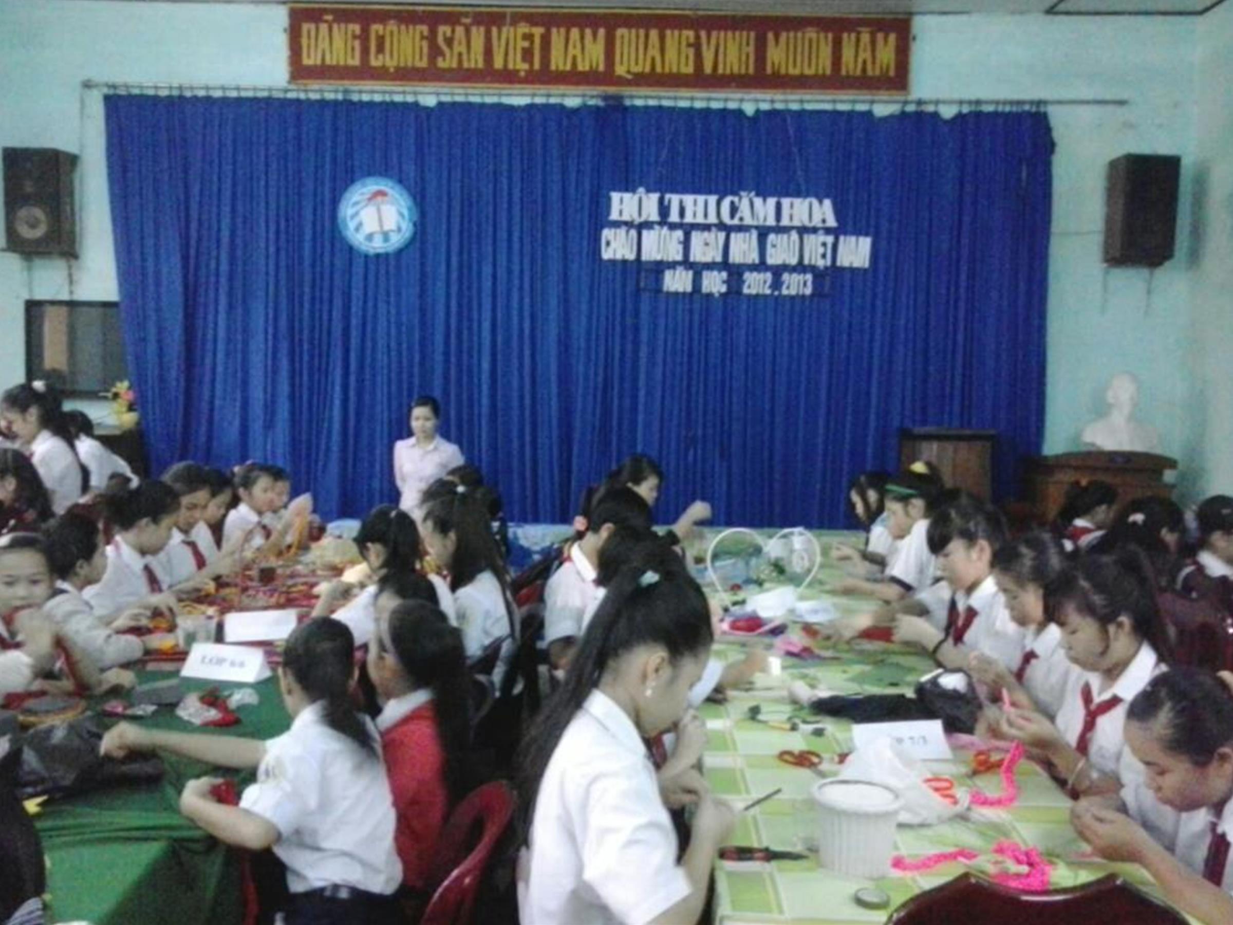 Hội thi cắm hoa chào mừng Ngày Nhà Giáo Việt Nam 20/11/2012