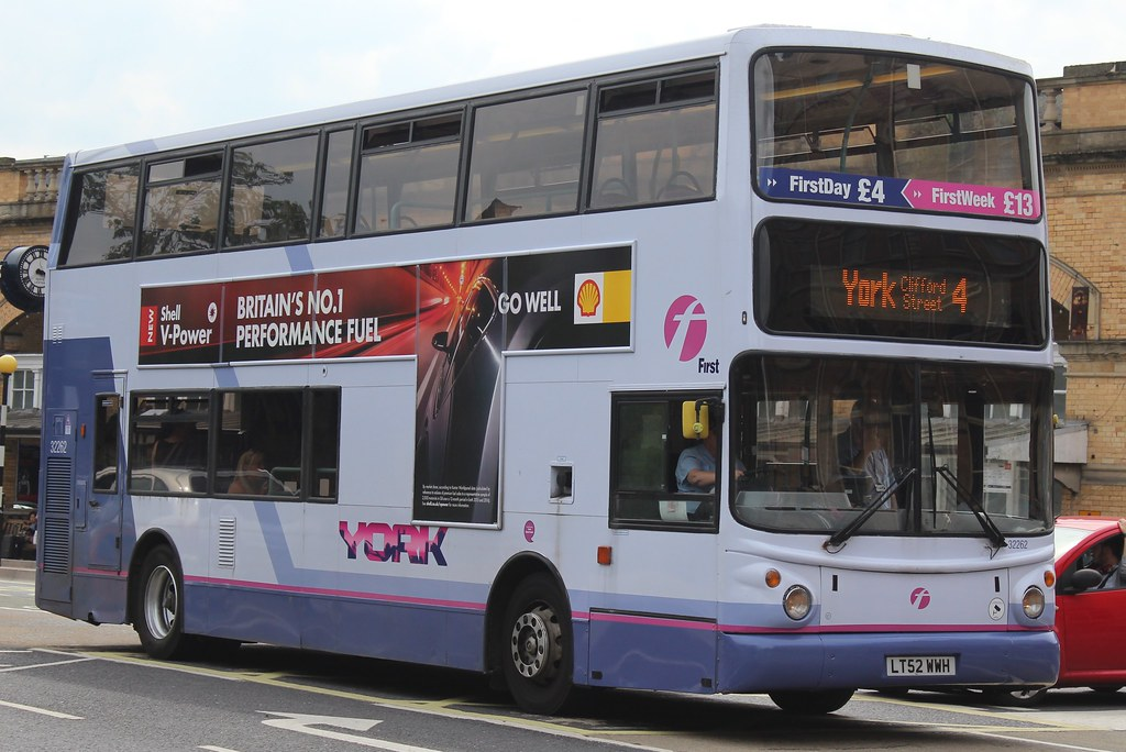 First York Volvo B7TL/Alexander ALX400 32262 (LT52 WWH) | Flickr