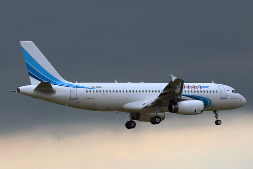 Yamal Airlines A320-216 VQ-BWZ
