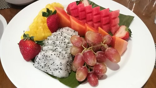 Special fruit platter at Cafe Marco in Marco Polo Hotel Davao IMG_20170520_091812