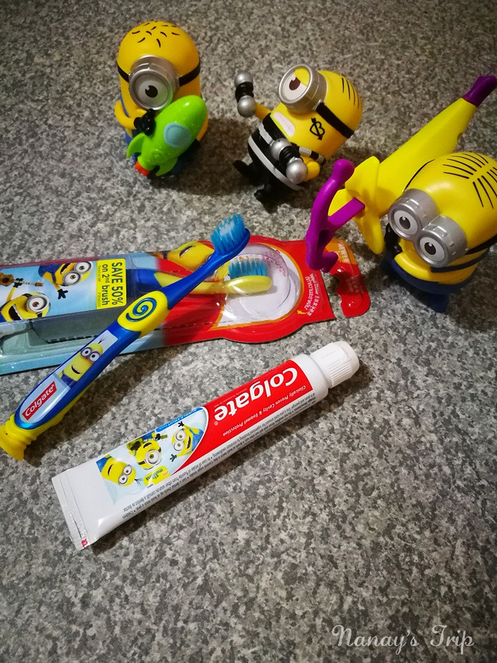 colgate-minions-with-toys-nanaystrip