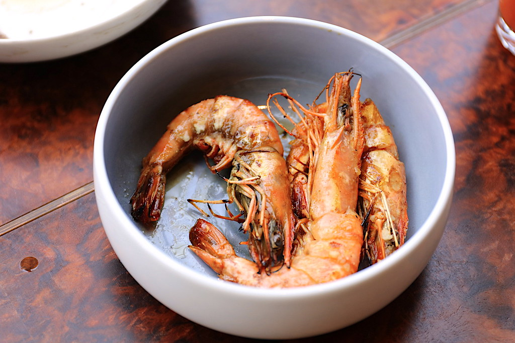 Prawn Bowl with Olive Oil, Garlic, Bird's Eye Chili