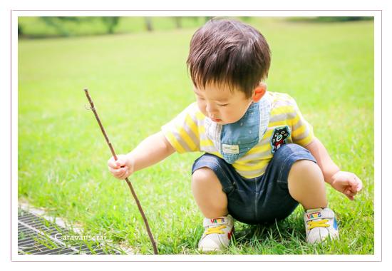 家族写真のロケーション撮影 森林公園(愛知県尾張旭市 名古屋市)撮り方 服装カジュアル 屋外 緑と一緒に 人気 オススメ データ納品