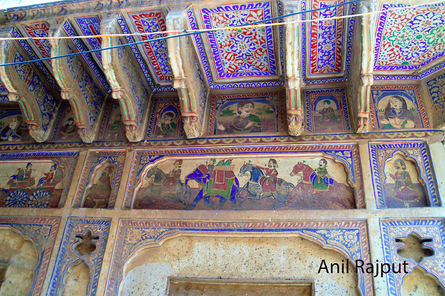 Fresco painting outer wall of a haveli in Churu