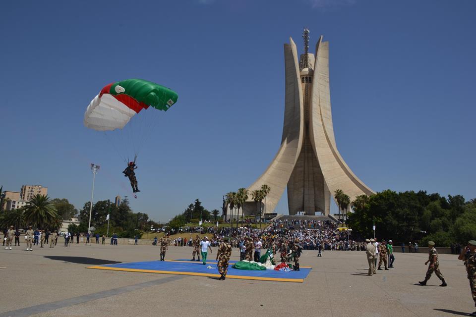 موسوعة الصور الرائعة للقوات الخاصة الجزائرية - صفحة 62 34997396304_6a753b4c3c_o