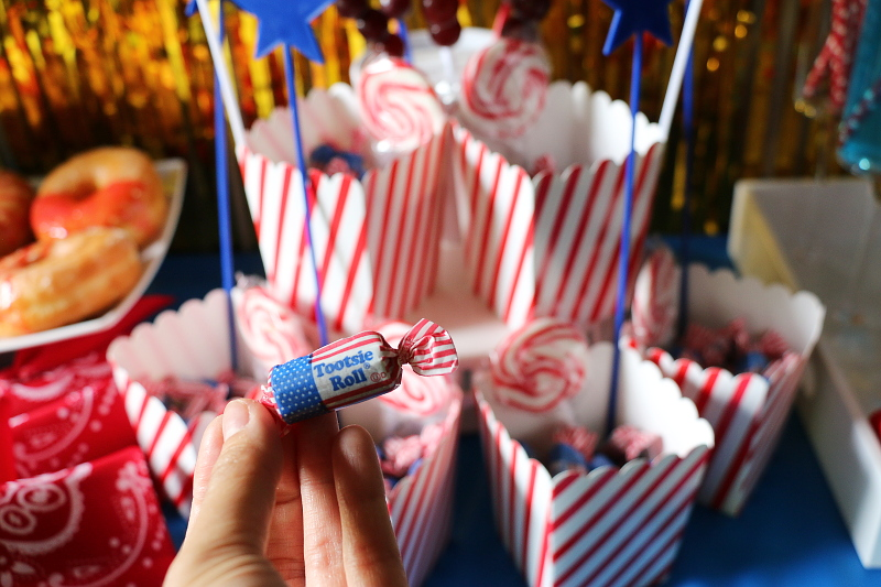 red-white-blue-tootsie-roll-candies-11