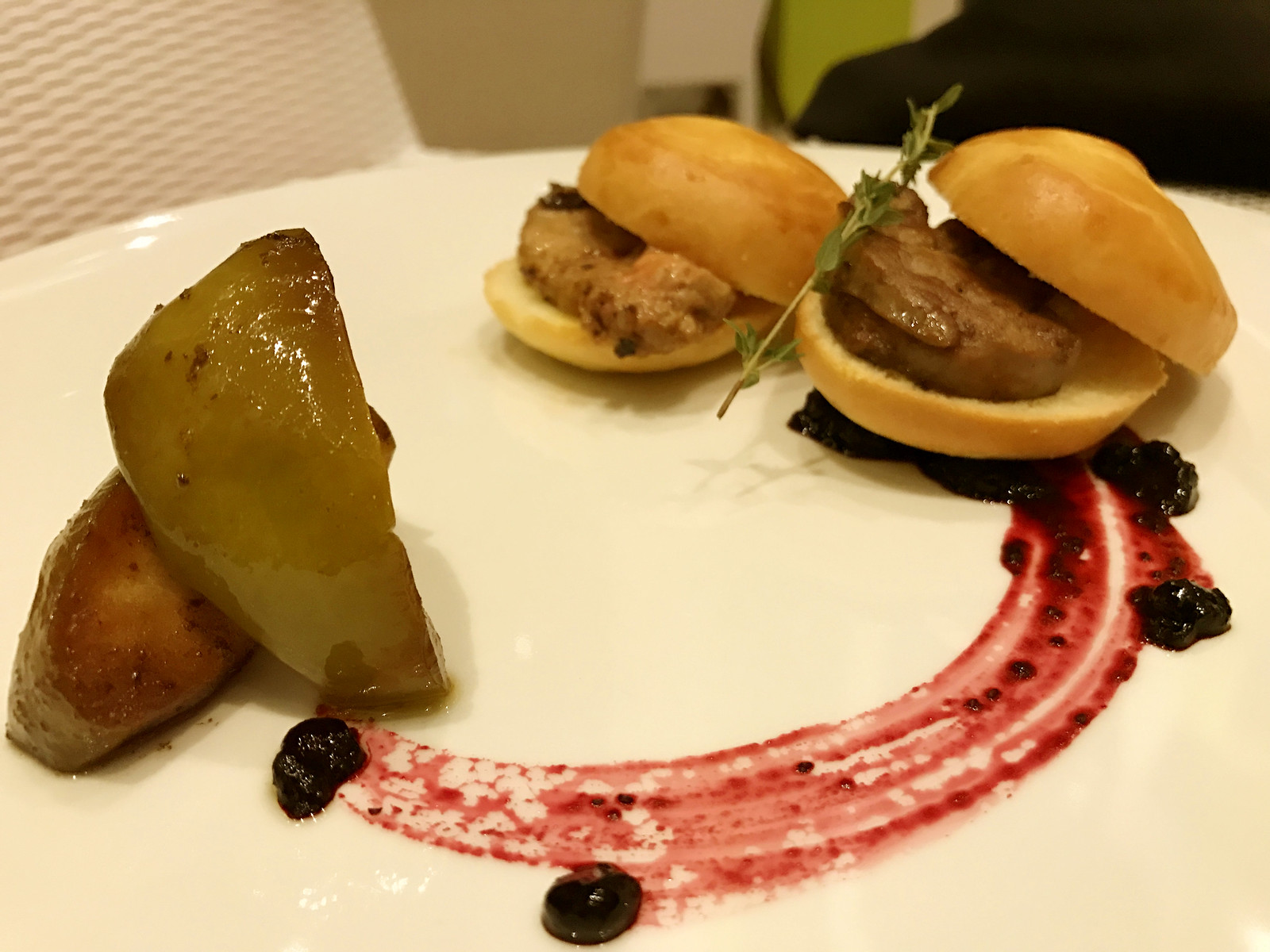 Main Restaurant - Foie Gras and sauteed apples