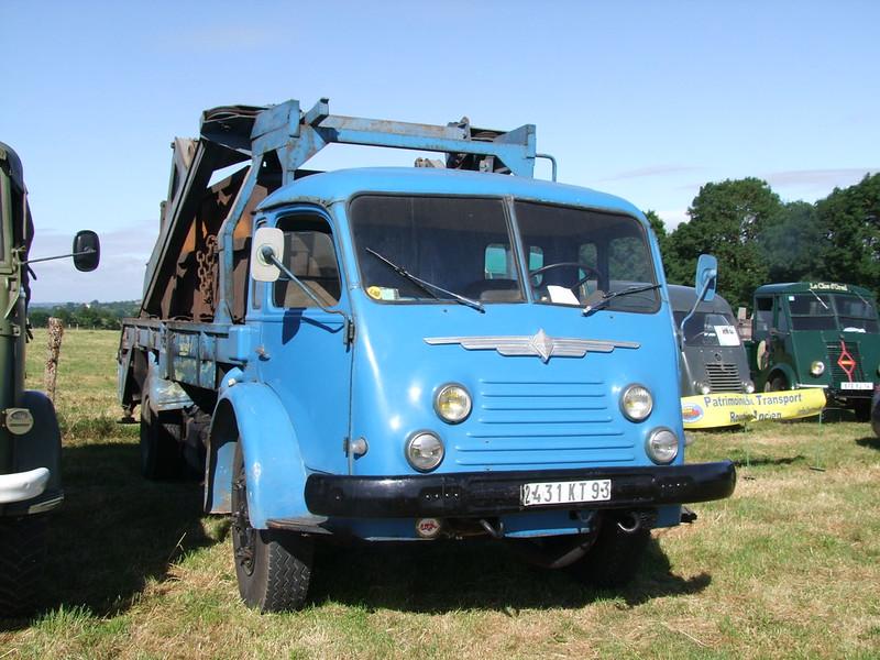 Rassemblement de camions anciens en Normandie 35492475446_2eaa3a884f_c