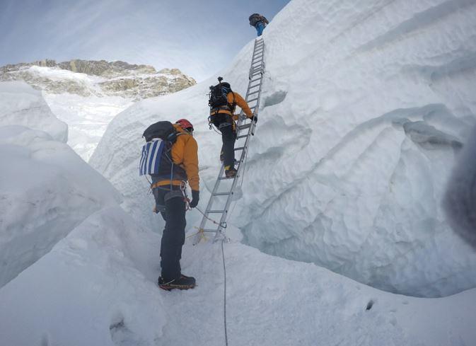 Khumbu Icefall - 5.800m