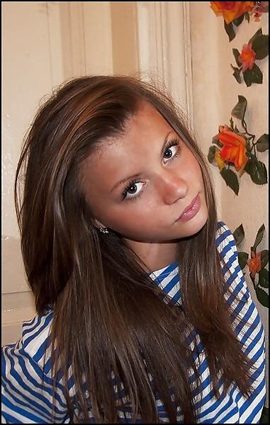 Very Cute 18Yo Teen 1St Time Suck Amateur Petite Girl