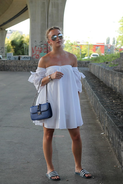 offshoulder-and-adiletten-whole-outfit-front-wiebkembg