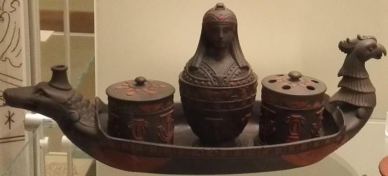 ブラックバソールト 古代エジプト柄インク壺