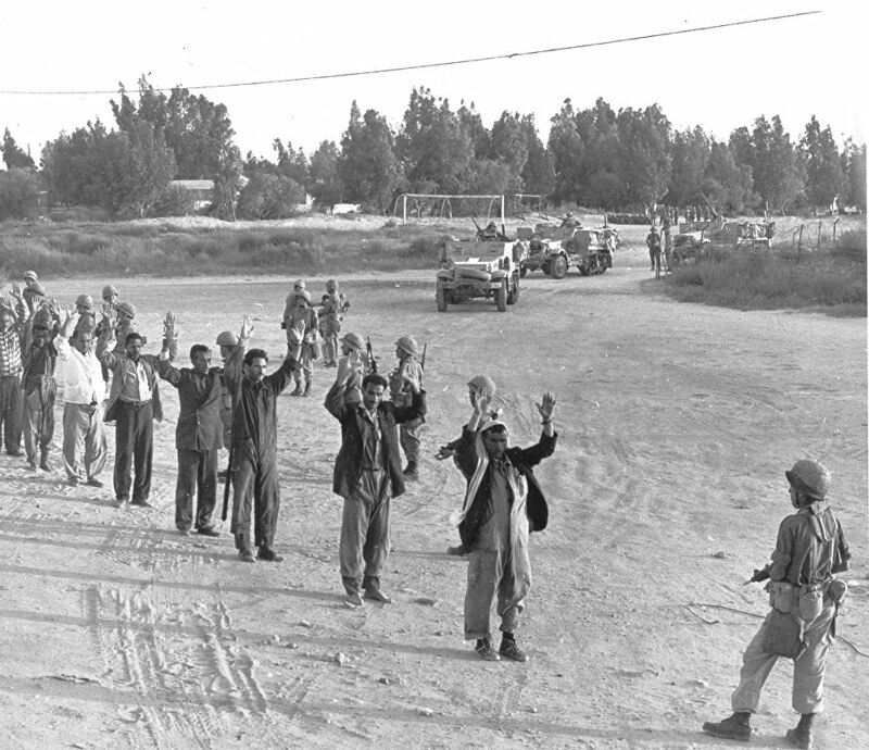 M3-halftrack-egyptian-pows-1967-ria-1