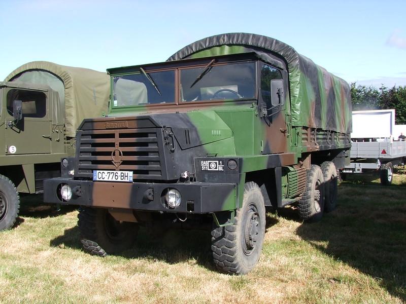 Rassemblement de camions anciens en Normandie 35399722261_b9f6d195d1_c