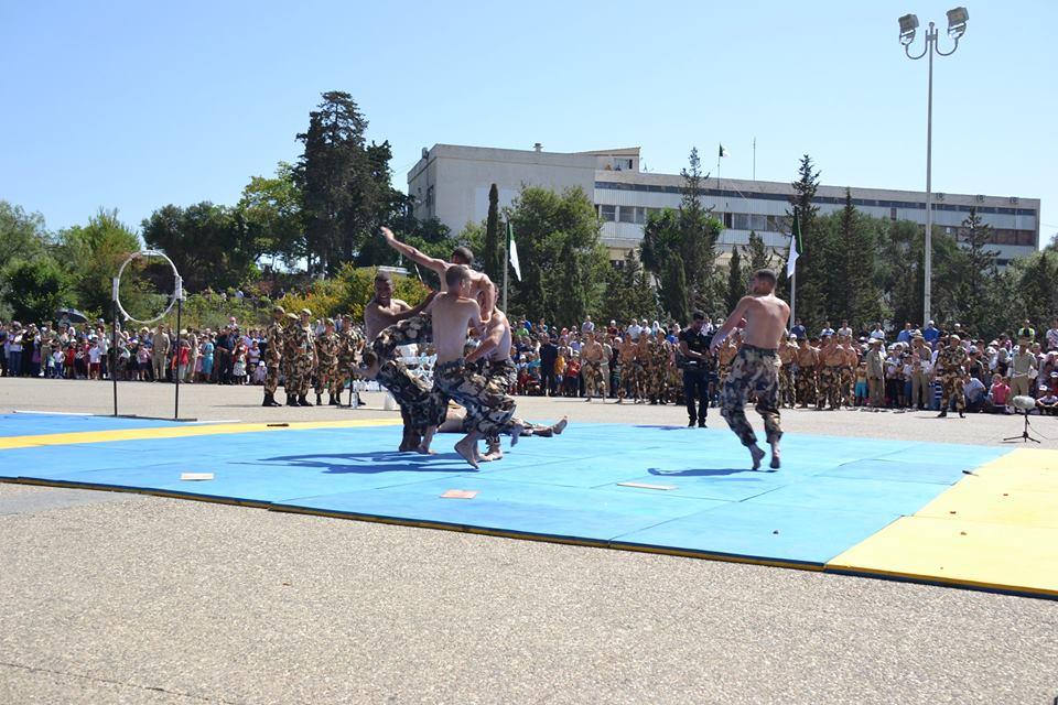 موسوعة الصور الرائعة للقوات الخاصة الجزائرية - صفحة 62 35449735700_af7ff0b1f0_o