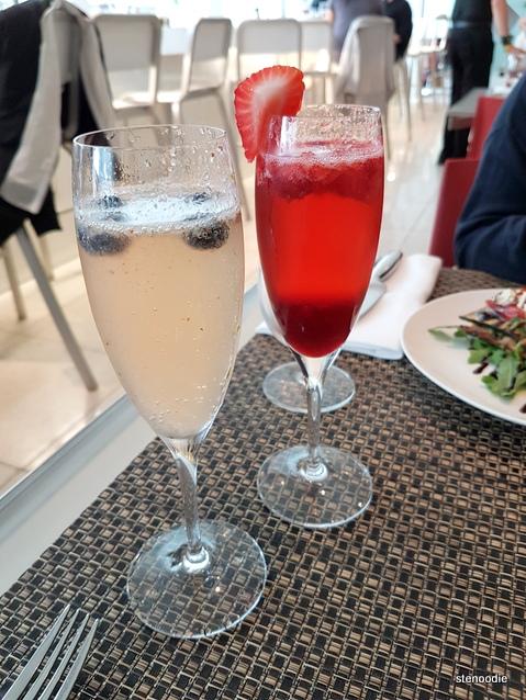 The Renfrew, Blueberry Fizz cocktails
