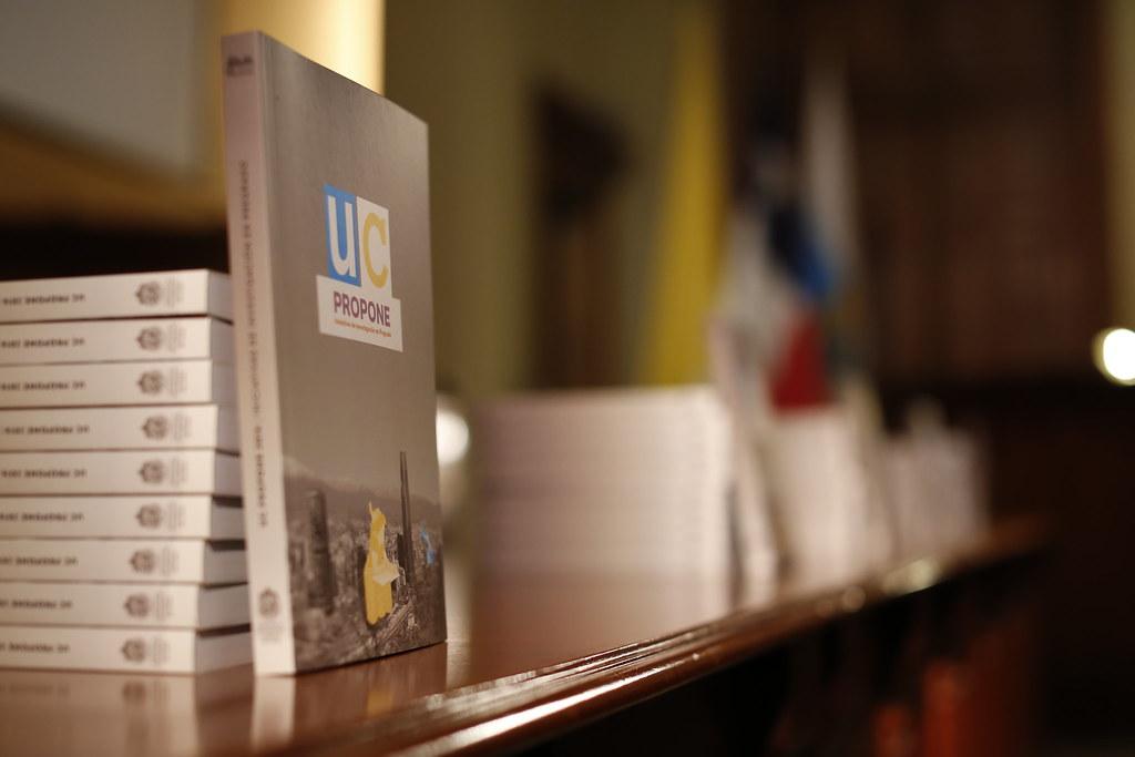 Lanzamiento libro UC Propone 2016