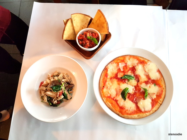 Bruschetta, Pizza Margherita, Penne