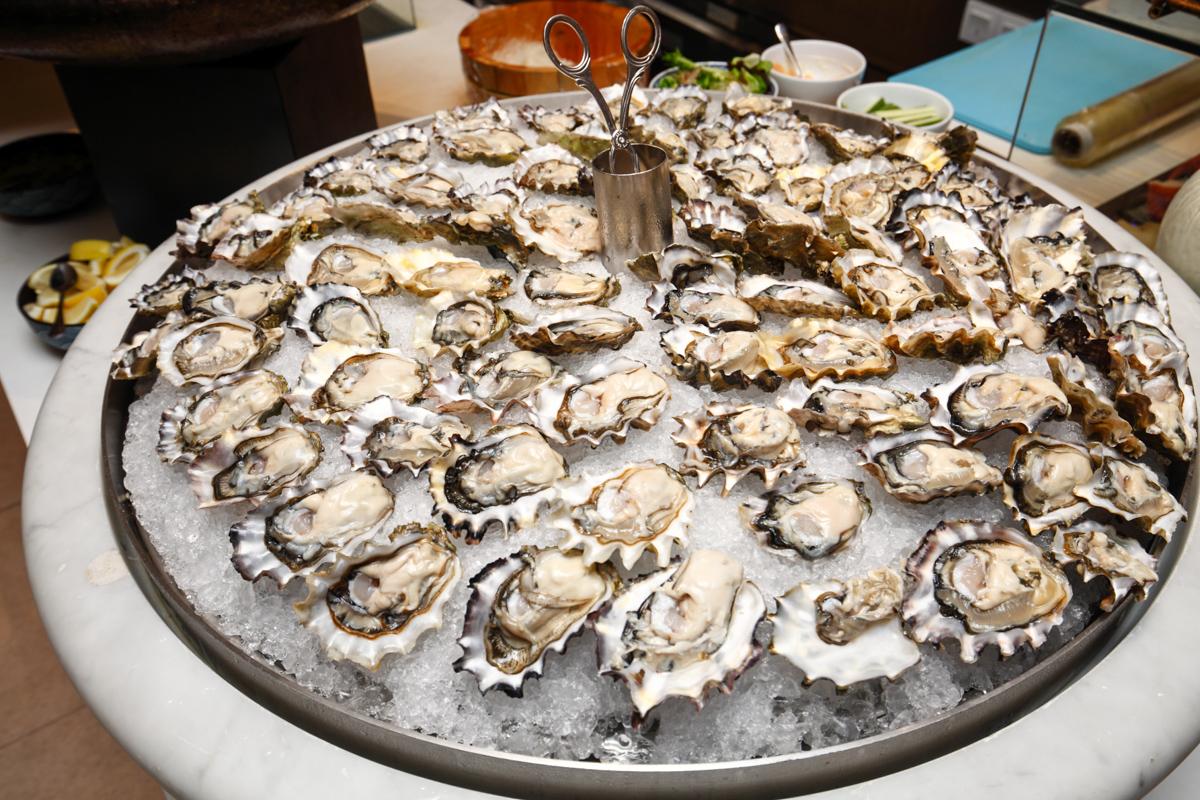 Shangri-la Lemon Garden Buffet US Oysters