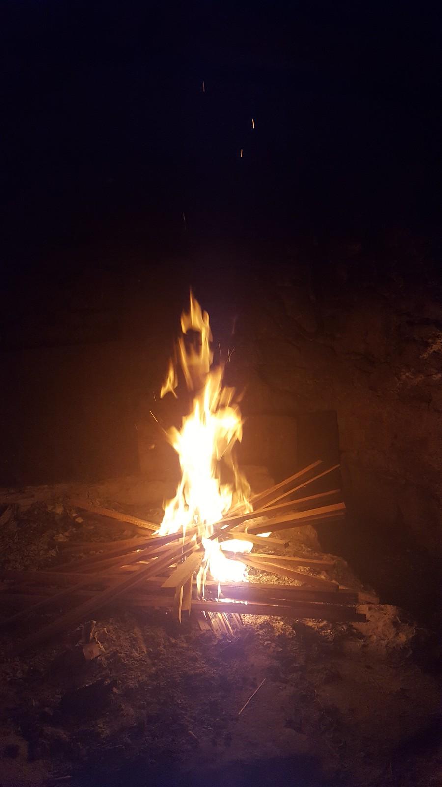 Das Feuer ist faszinierend!