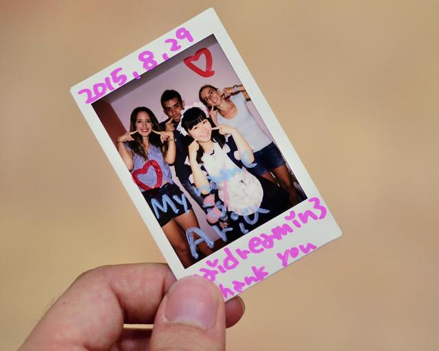Fotografía polaroid que te dan en el Maid Cafe de Akihabara